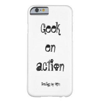 """Schaal voor iPhone 6 """"Geek in actie"""" by REN Barely There iPhone 6 Hoesje"""