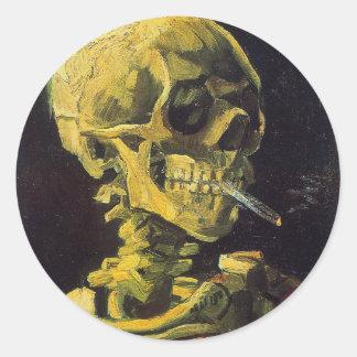 Schedel met het Branden van Sigaret Ronde Sticker