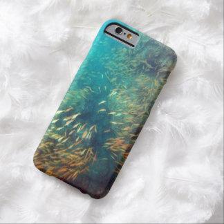 School van Vissen die het Geval van Maui zwemmen Barely There iPhone 6 Hoesje
