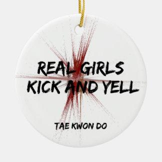 Schop van de Meisjes van vechtsporten schreeuwt de Rond Keramisch Ornament