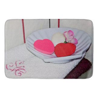 Schotel van Zeep en de Grote Badmat van Handdoeken