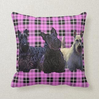 Schots zwart/wheaten Terrier, baby roze plaid Sierkussen