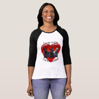 Schots zwart/wheaten Terrier, zittend/zich bevindt T Shirt