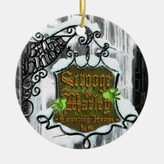 Scrooge&MarleySignScene Rond Keramisch Ornament