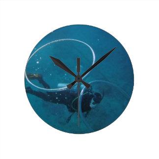 Scuba-duiker Ronde Klok