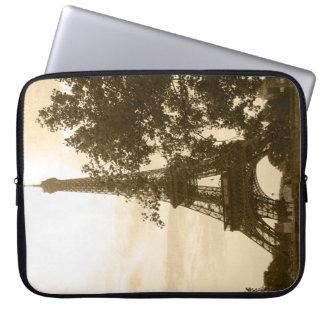 Sepia de Toren van Eiffel Laptop Sleeve