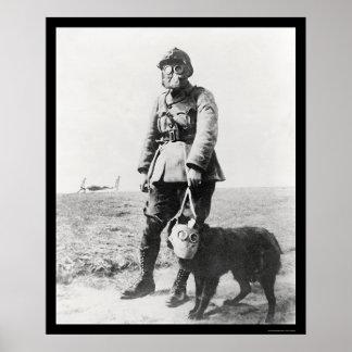 Sergeant WWI en Zijn Hond die Gasmaskers 1915 Poster