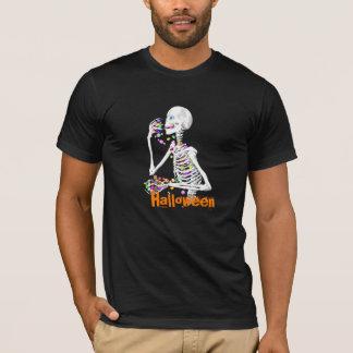 Skelet die het Snoep van Halloween eten T Shirt