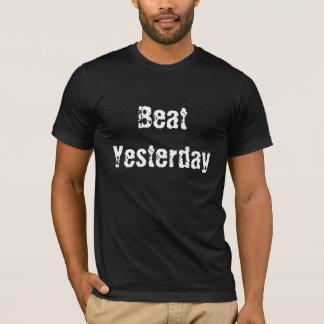 Sla gisteren de T-shirt van het Mannen