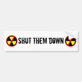 Sluit hen onderaan de Anti-nucleaire Slogan van de Bumpersticker