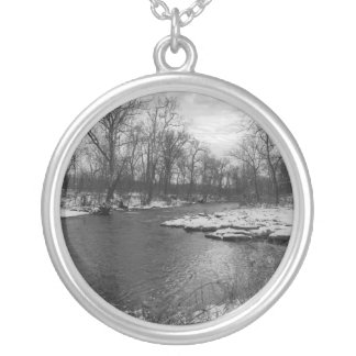 Sneeuw langs James River Grayscale Zilver Vergulden Ketting