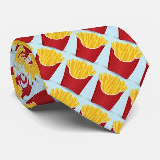 Snel voedsel, chips met blauwe achtergrond stropdas
