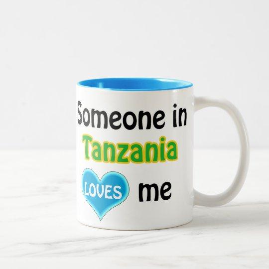 Someone in Tanzania loves me Tweekleurige Koffiemok