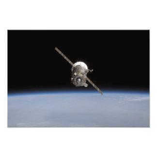 Soyuz tma-11 ruimtevaartuig boven Aarde horiz Foto Kunst