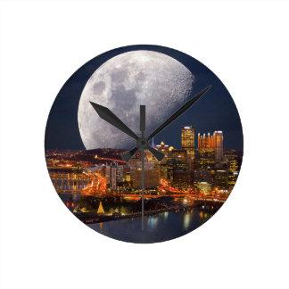 Spacey Pittsburgh Ronde Klok