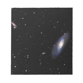 Spiraalvormige Melkweg M106 Notitieblokken
