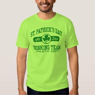 St. Patrick Dag die Team drink Tshirt