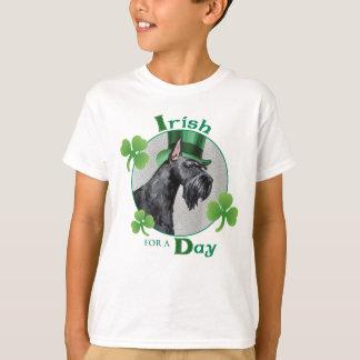 St. Patrick Dag ReuzeSchnauzer T Shirt