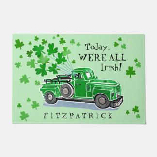 St. Patrick voegt de Groene Vintage Vrachtwagen Deurmat