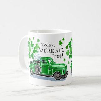St. Patrick voegt de Groene Vintage Vrachtwagen Koffiemok