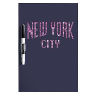 Stad van New York op het Roze van de Lente nam toe Whiteboard