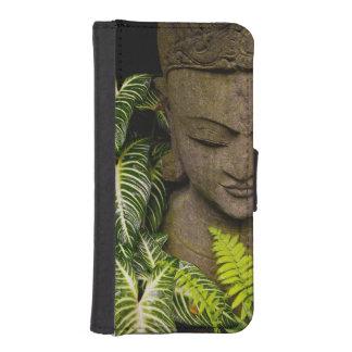 Standbeeld in een Tuin: MAI van Chiang, Thailand iPhone 5 Portemonnee Case