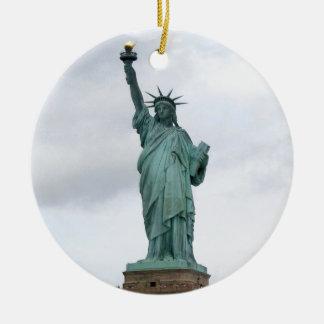 Standbeeld van Vrijheid Rond Keramisch Ornament