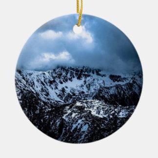 Storm Brewin Rond Keramisch Ornament