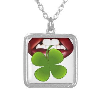 t-shirt van de kus de hete Ierse gift Zilver Vergulden Ketting