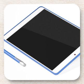 Tablet op tribune en digitale pen bier onderzetters