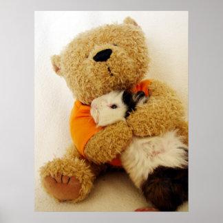 Teddy koestert een Proefkonijn Poster
