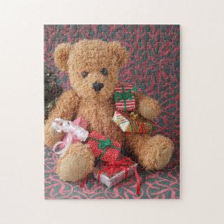 Teddybeer met vele cadeaus van Kerstmis Puzzel