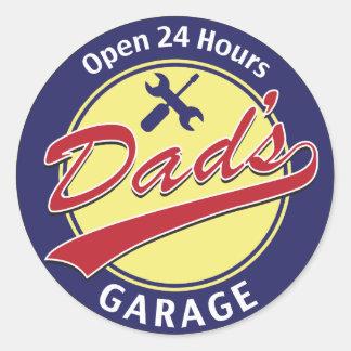 """Teken de """"Garage van de Papa"""" met editable teksten Ronde Sticker"""