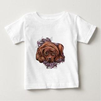 Tekening van Bruine Labrador en Lelies Baby T Shirts