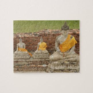 Thailand, Ayutthaya. Standbeelden van zittingsbudd Puzzel