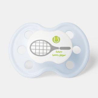 Toekomstige tennisspeler, tennisracket en bal fopspeentje