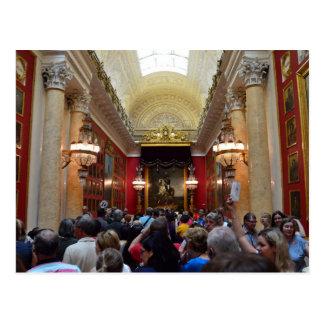 Toeristen bij het Museum van de Kluis Briefkaart