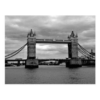toren brug in zwart-wit briefkaart