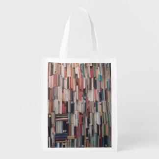 Torenhoge Muur van Boeken Shoppers