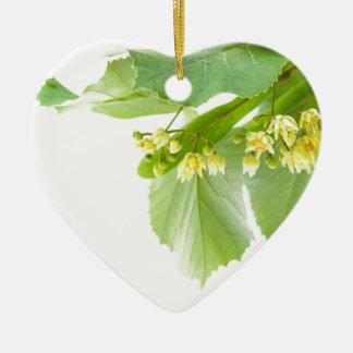 Tot bloei komend takje van limetree of lindeboom keramisch hart ornament