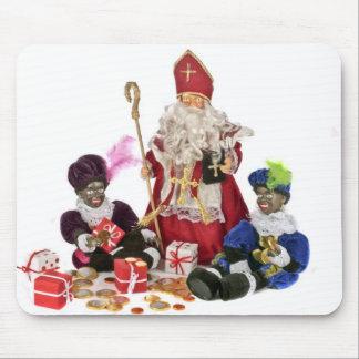 Traditionele Nederlandse cultuur: De Kerstman en z Muismat