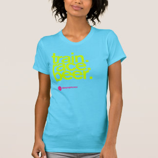 TRAIN.RACE.BEER. De T-shirt van vrouwen