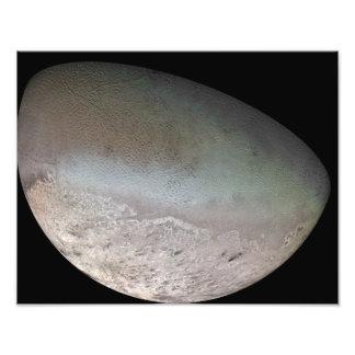 Triton, de grootste maan van planeet Neptunus Fotoafdruk