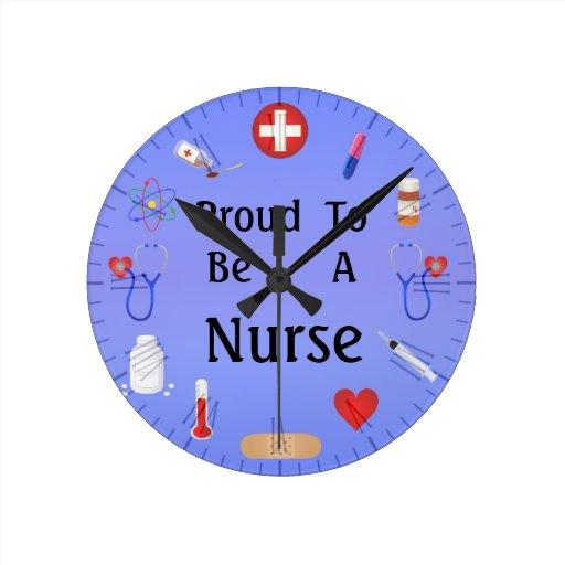 Trots om een verpleegster of uw tekst te zijn muurklokken zazzle - Om een e b e bbinnenkap te creeren ...