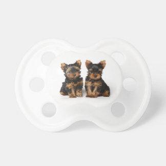 Twee leuk puppy fopspeen