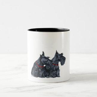 Twee Nieuwsgierige Schotse Terriers Tweekleurige Koffiemok