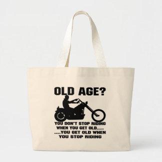 U houdt niet op berijdend wanneer u Oud wordt Tassen