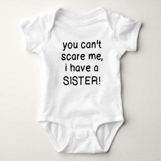 U kunt niet me doen schrikken, heb ik een Zuster! Romper