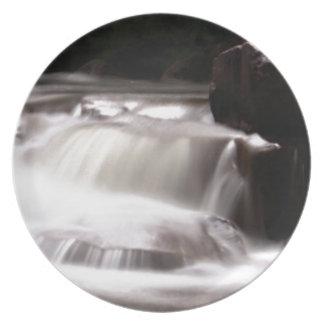 uitbarsting van water in kreek melamine+bord