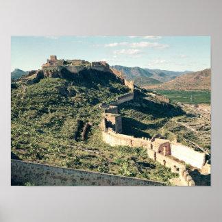 Uitzicht van het kasteel, achtste-8th-12ste eeuw poster